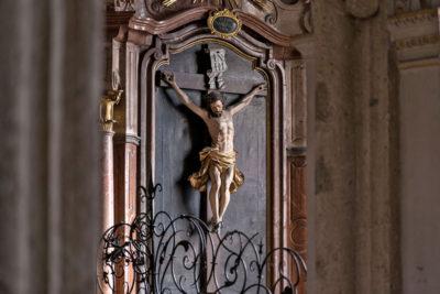 Stift Nonnberg - Stiftskirche Kruzifix